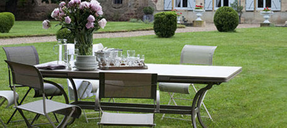 Header_outdoor-furniture-patio-tables-chairs-romane