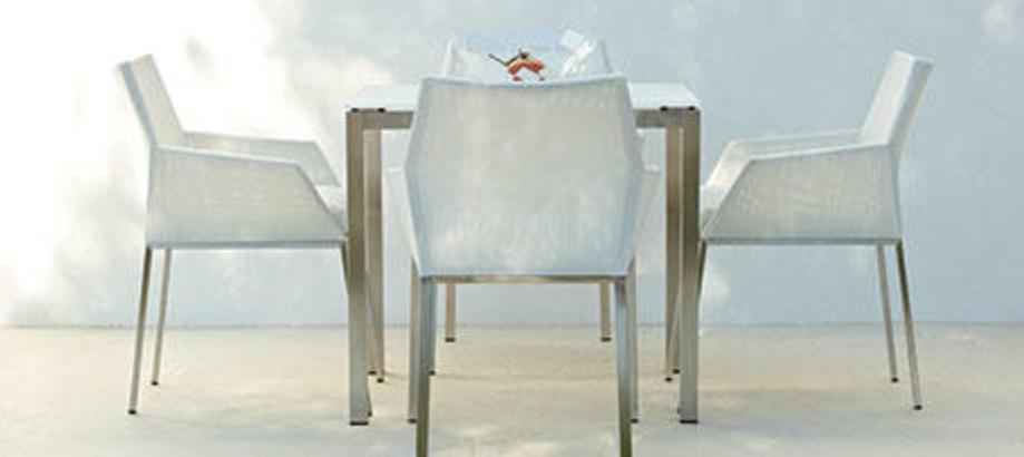 Header_outdoor-furniture-urban-garden-cloud-ivory-dining-set