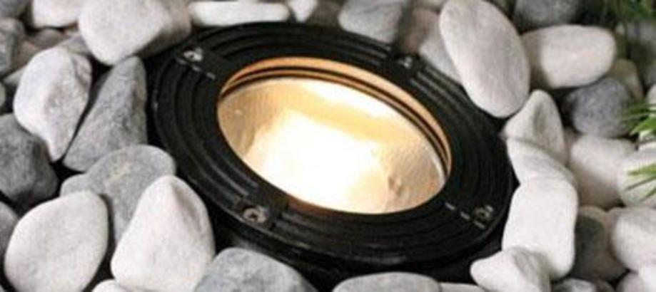 Header_outdoor-lighting-aluminium-walk-over-ground-recessed-light