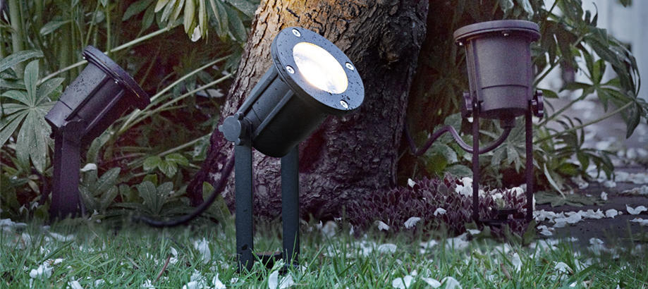 Header_outdoor-lighting-garden-spotlights-spotlight-outdoor-lighting-spears