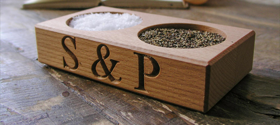 Header_alfresco-living-home-essentials-salt-and-pepper-pinch-dish