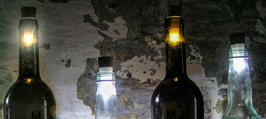 Header_alfresco-living-alfresco-atmosphere-bottle-lights