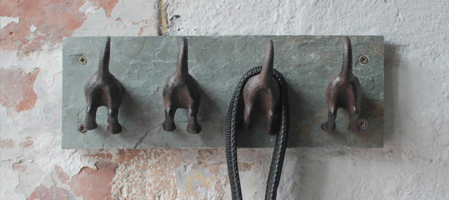 Header_for-the-gardener-hooks-dog-tail-hook