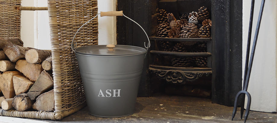 Header_for-the-gardener-fireside-accessories-ash-bucket