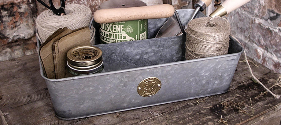 Header_for-the-gardener-tidy-galvanised-trug