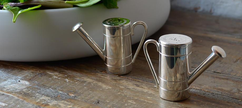 Header_for-the-gardener-20-50-watering-can-cruet-set
