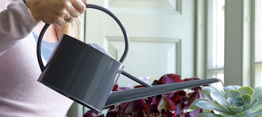 Header_for-the-gardener-gifts-for-mum-sophie-conran-watering-can
