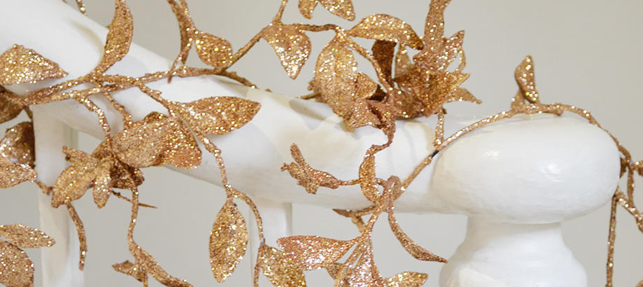Header_garden-art-and-decor-christmas-wreaths-garlands-copper-garland