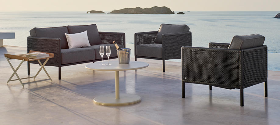 Header_outdoor-furniture-relaxing-tables-and-chairs-encore-lounge