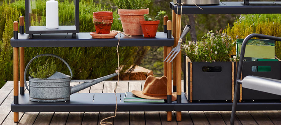 Header_outdoor-furniture-storage-solutions-frame-storage