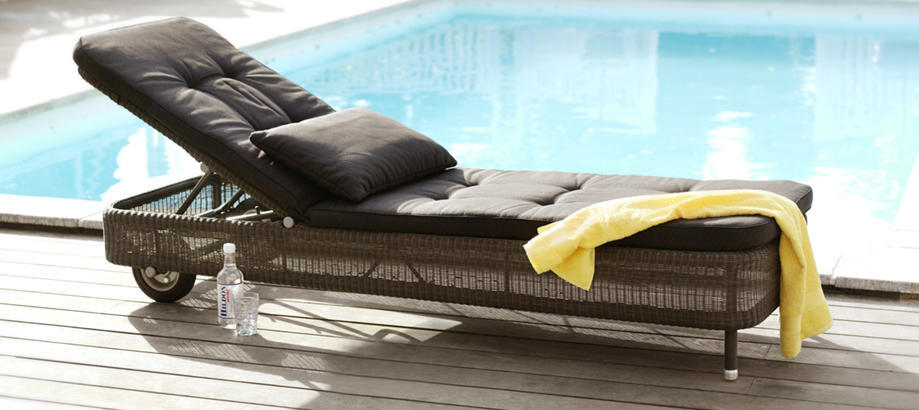 Header_outdoor-furniture-outdoor-space-poolside-presley-sunbed