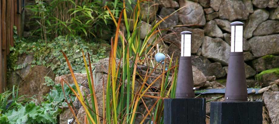 Header_outdoor-lighting-pedestal-lights-garden-zone-beta-plug-go