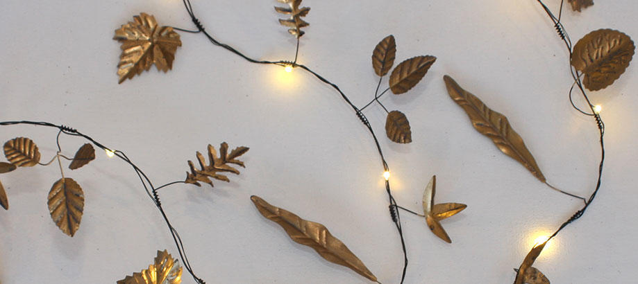 Header_outdoor-lighting-christmas-outdoor-lights-metallic-leaf