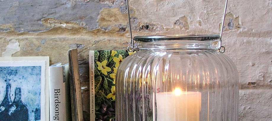 Header_outdoor-lighting-alfresco-table-lights-pumpkin-hurricane