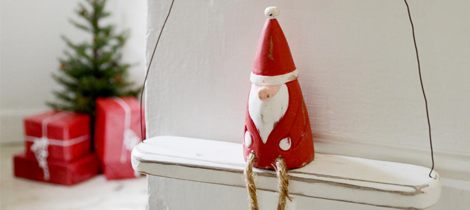 Header_garden-art-and-decor-christmas-decor-hanging-santa
