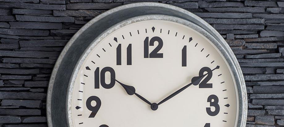 Header_garden-guidence-urban-garden-galvinised-clock