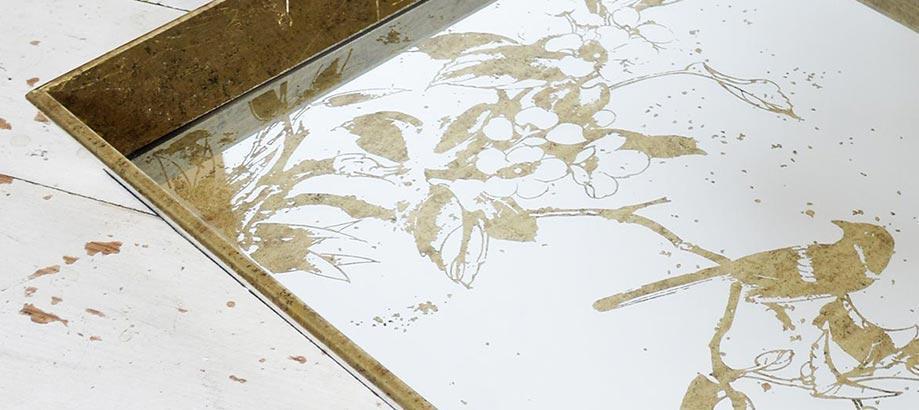 Header_garden-art-and-decor-30-50-aged-mirror-tray