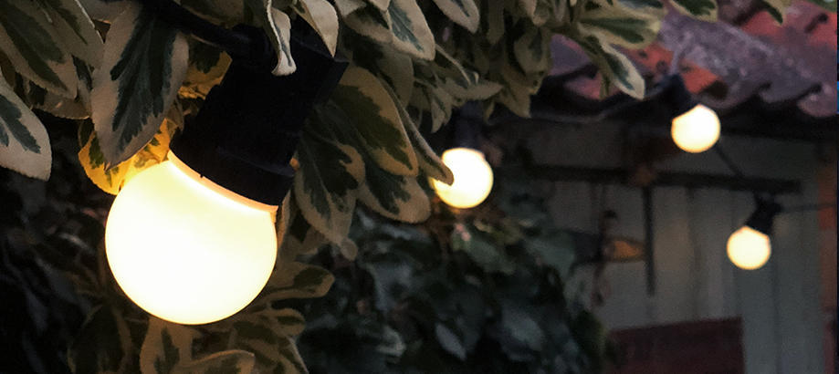 Header_outdoor-lighting-festoon-lights