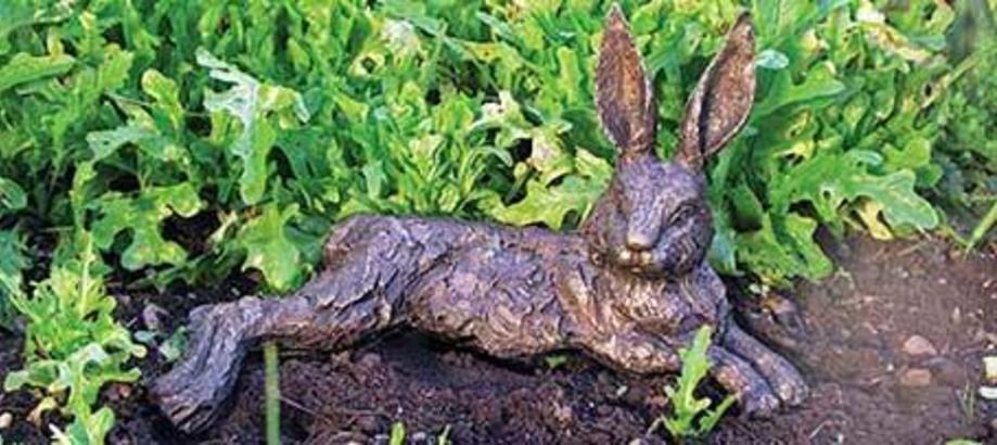 Header_garden-art-decor-vegetable-garden-decor-relaxing-hare