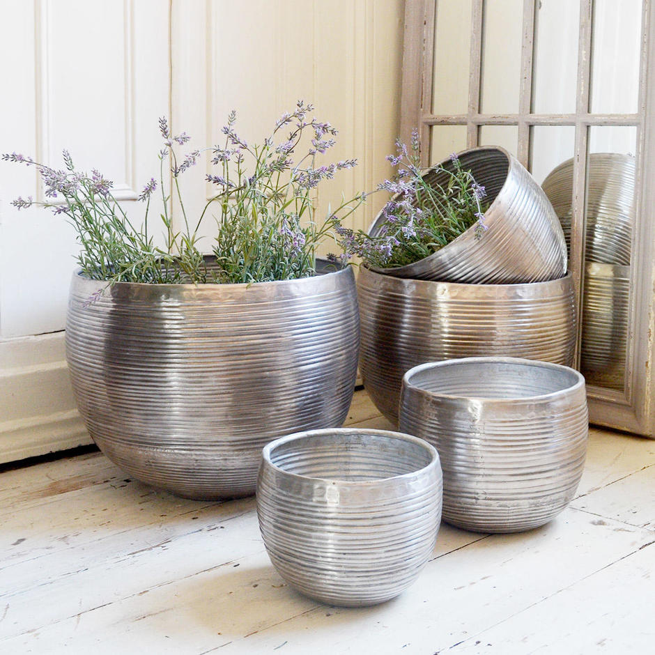 Aluminium Ribbed Finished Planters