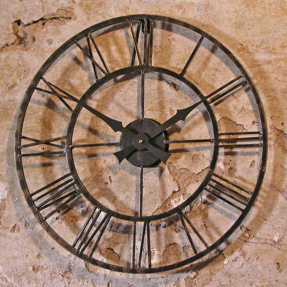 Superbe Vintage Style Outdoor Clock