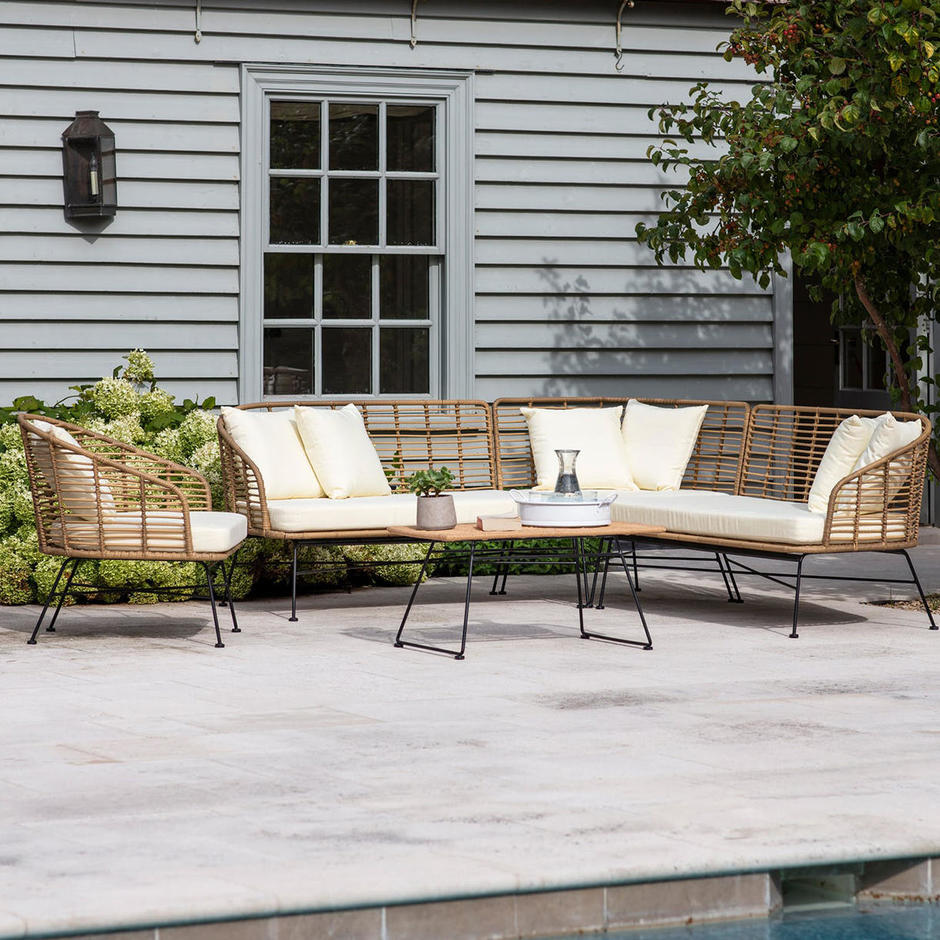 Hampstead Outdoor Lounge Seating