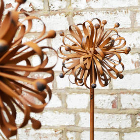 Stylised Rusty Dahlia