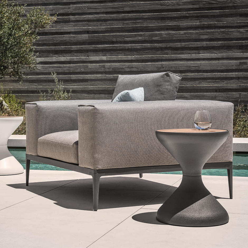 Grid Outdoor Lounge Chair