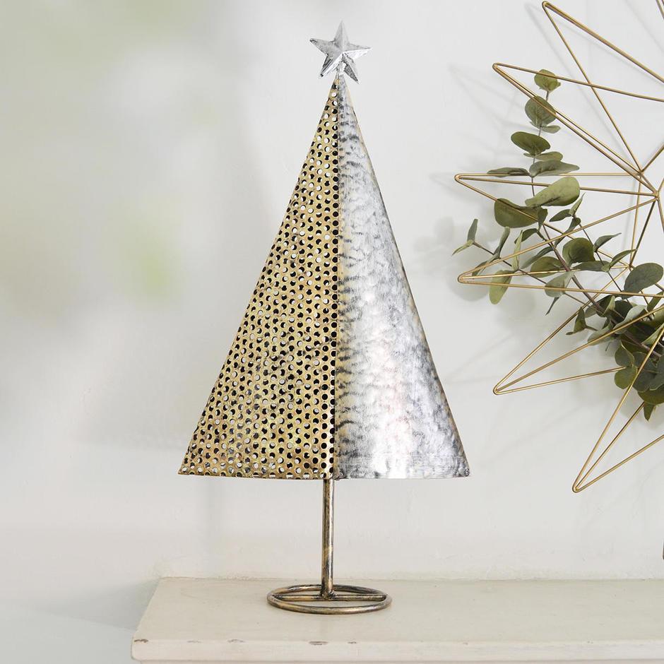 Metal & Mesh Christmas Tree