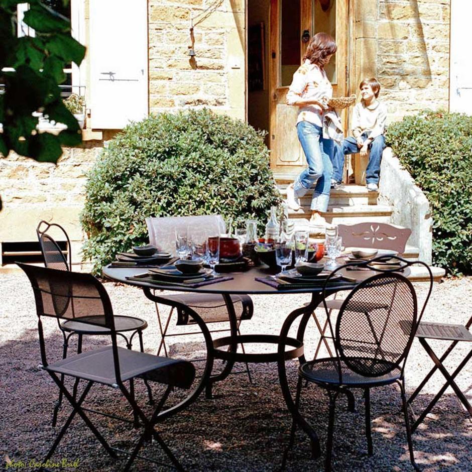 Romane 117cm Round Tables
