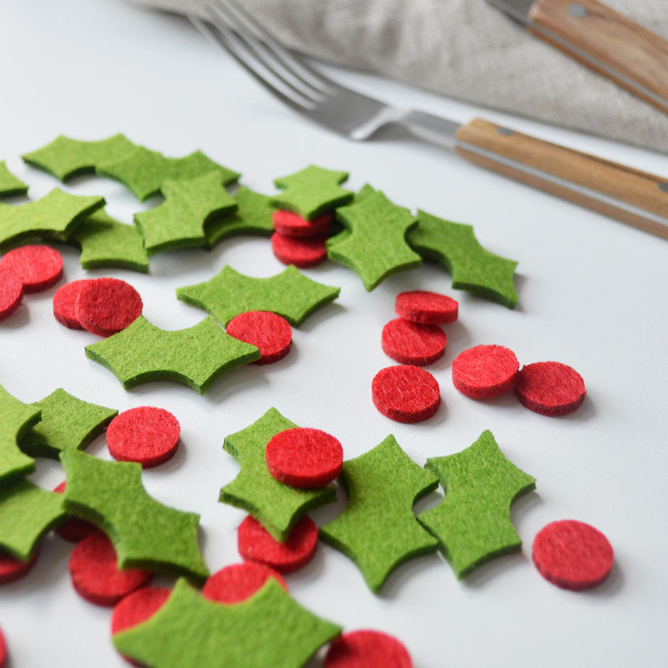 Holly Felt Table Confetti