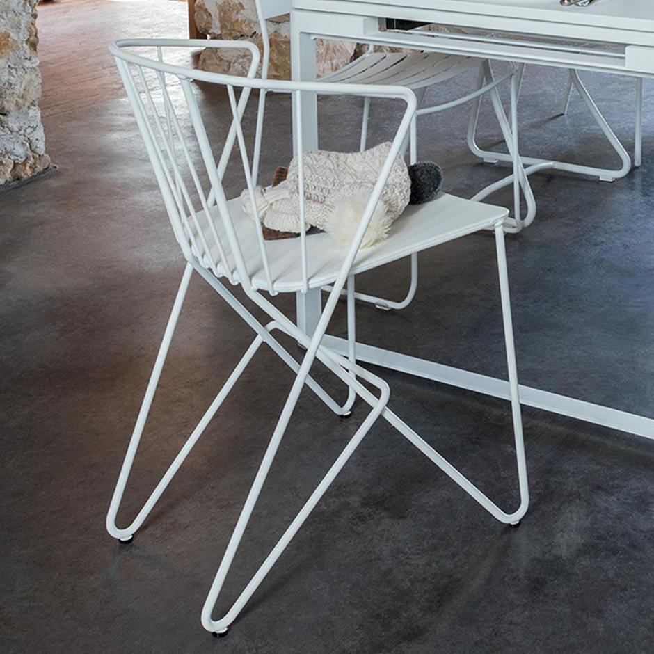 Flower Armchair with Plain Seat