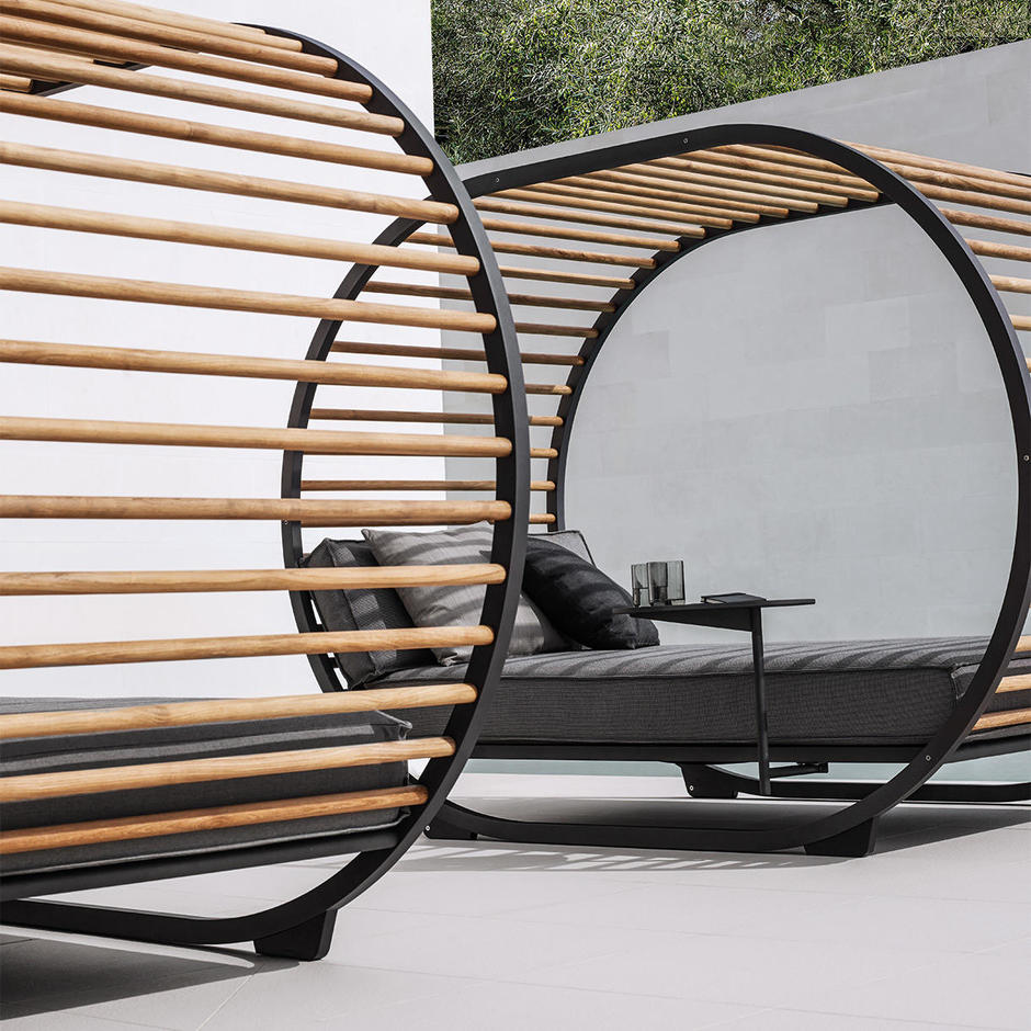 Cradle Outdoor Daybed