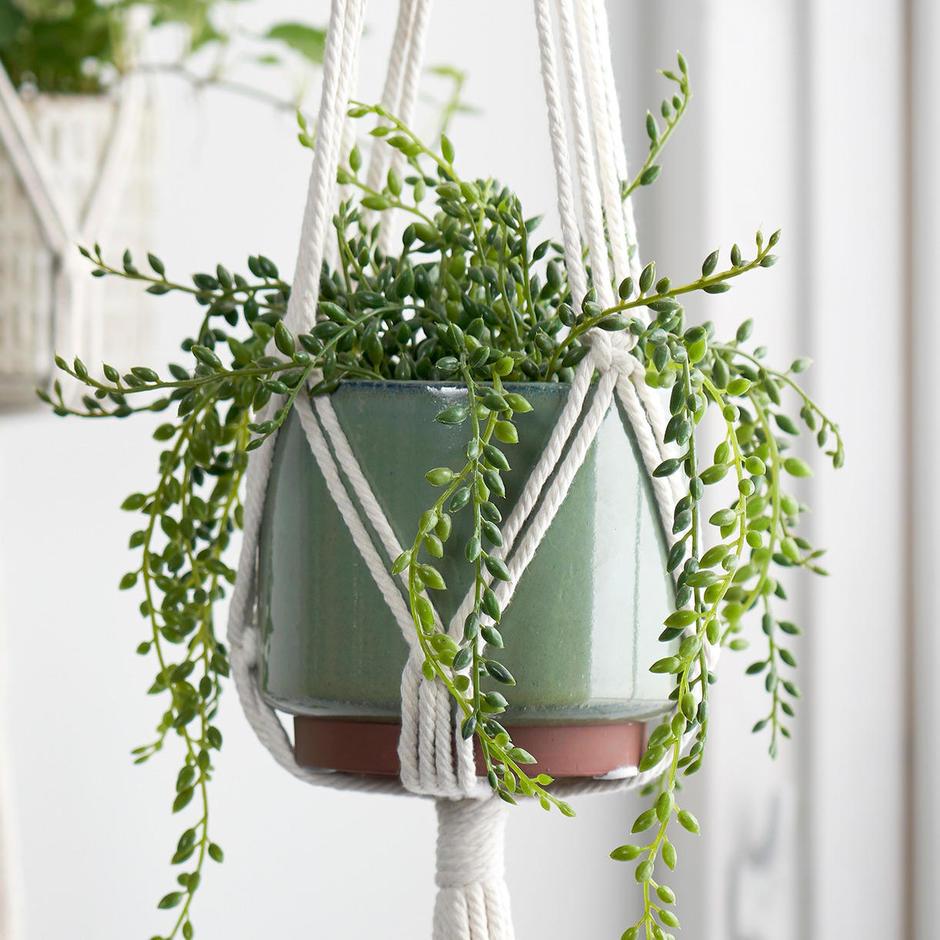Macramé Plant Pot Hanger