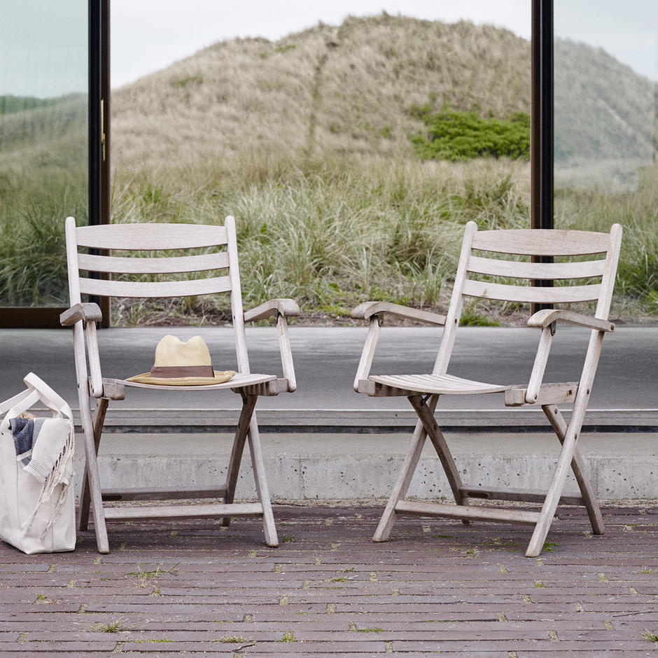 Selandia Folding Dining Armchairs
