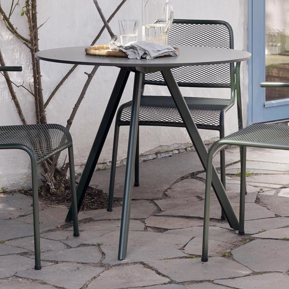 Overlap Patio Table
