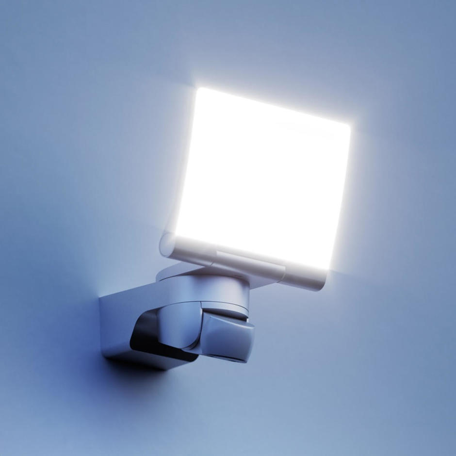 XLED Home 2 XL Floodlight with PIR Sensor