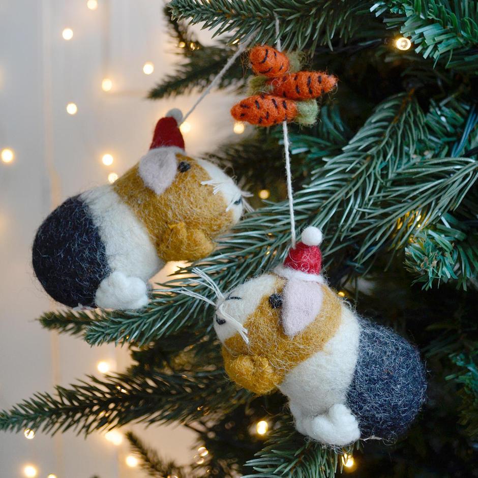 Felt Guinea Pigs with Carrot Garland Christmas Decoration