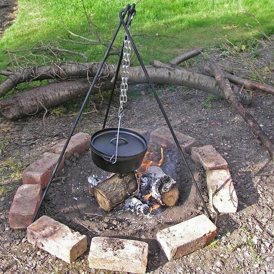 Dutch Cooking Tripod with Chain