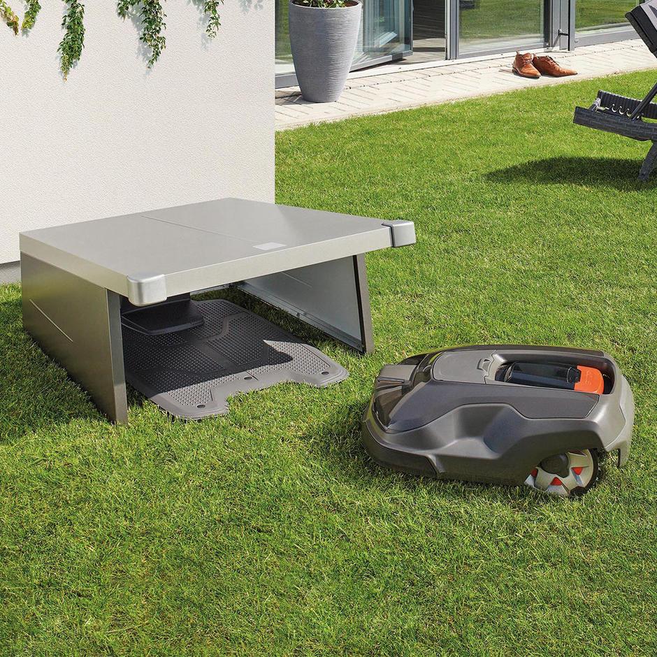 Charly Robotic Lawn Mower Garage