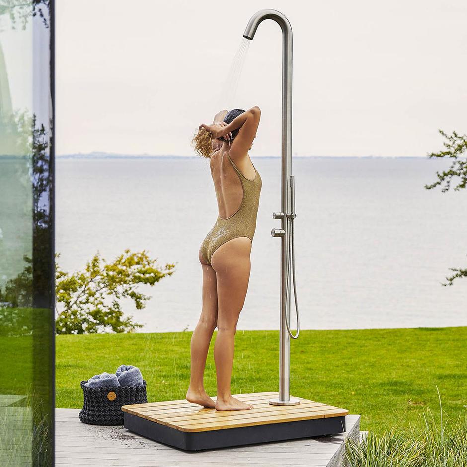 Lagoon Outdoor Shower