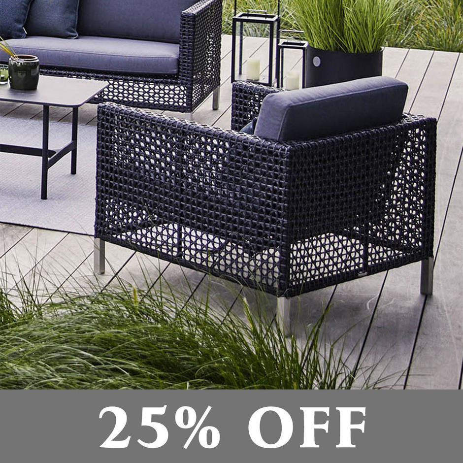 Connect Outdoor Lounge Chair in Open Weave