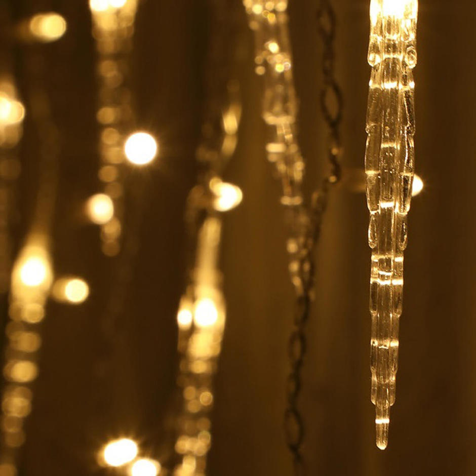 Cascading Icicle String Lights