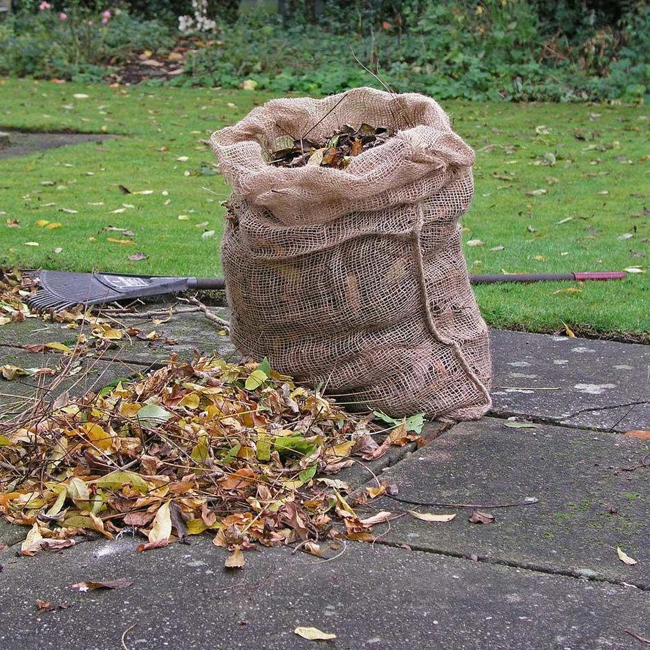 Jute Leaf Composting Sacks