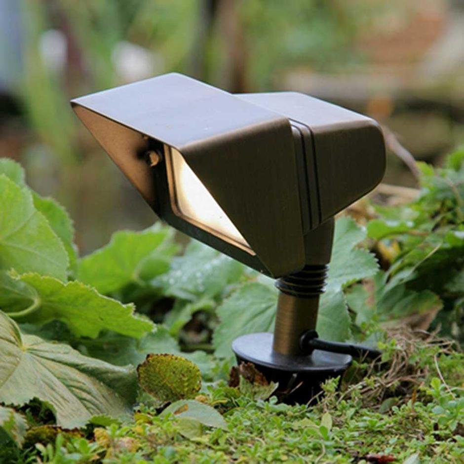 Garden Zone Bronze Plug & Go Flood Light