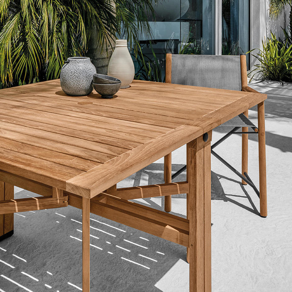 Voyager Dining Tables