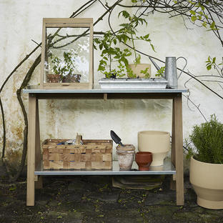 Spira Potting Table