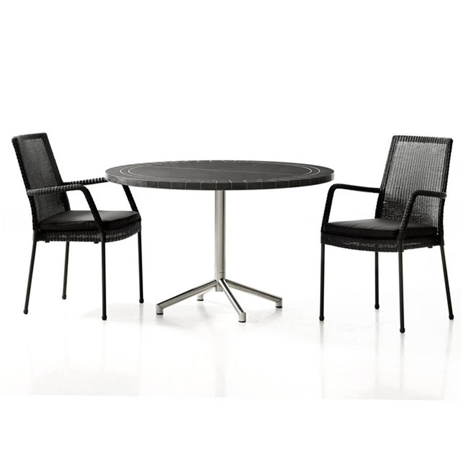 Avenue Round Dining Tables