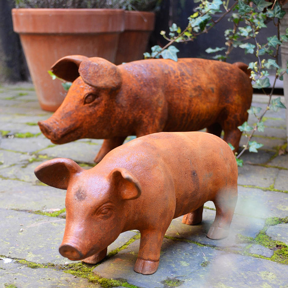 Cast Iron Pigs