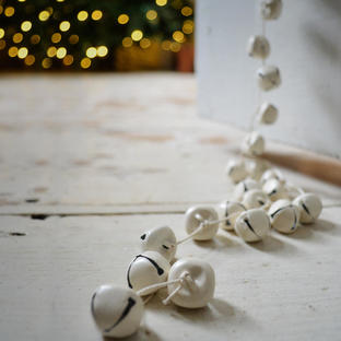 Cream Garland Sleigh Bells